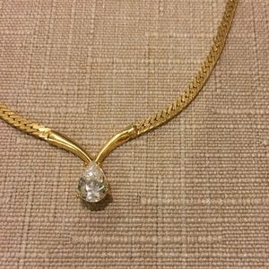 Gold necklace with cubic zirconium diamond